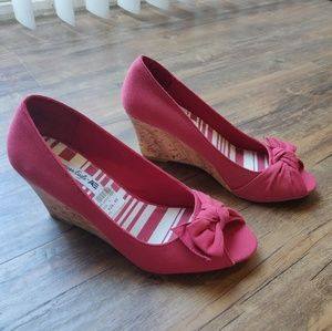 NWT American Eagle | Red Cork Bow Wedges